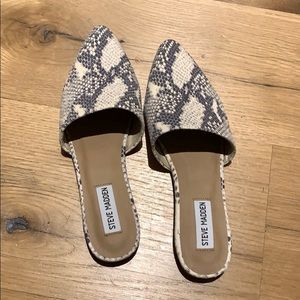 """Tempting Multi Snake"" Steve Madden shoes NEW"